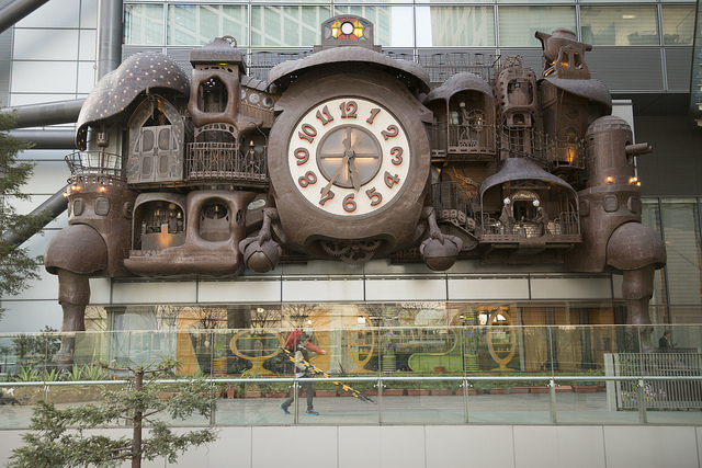 Miyazaki Clock at NTV Shiodome, by Maarten Heerlien (CC BY 2.0)