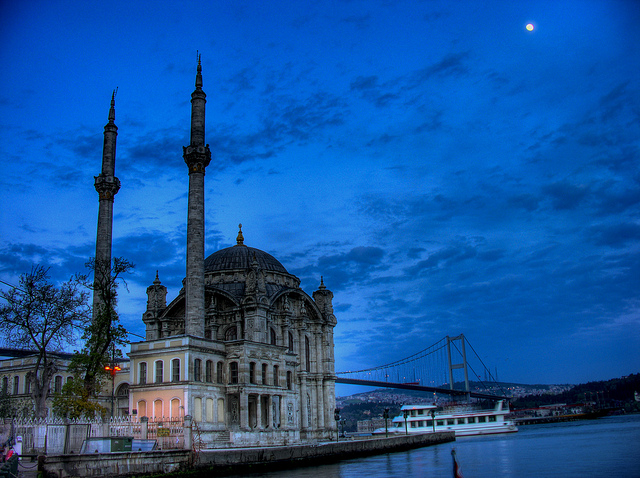 István Tóth, Moschea del sultano Abdülmecid, Flickr, (CC BY-ND 2.0)