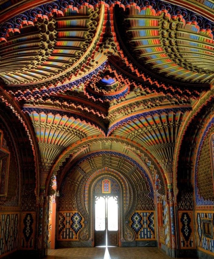 The peacock room in Castello di Sammezzano, Tuscany -  Sala dei Pavoni, Castello di Sammezzano, Reggello (Firenze)