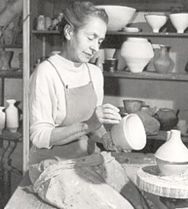 Lucie Rie and the paradox of Schrödinger's pot